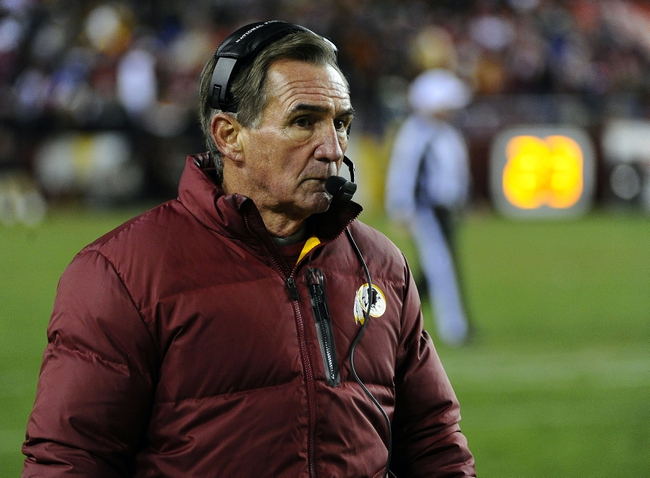 Nov 25, 2013; Landover, MD, USA; Washington Redskins head coach Mike Shanahan on the sidelines against the San Francisco 49ers during the second half at FedEx Field. The 49ers won 27-6. Mandatory Credit: Brad Mills-USA TODAY Sports