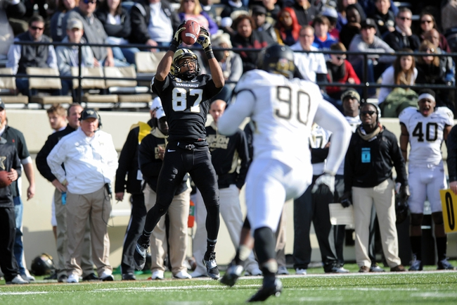 Nov 30, 2013; Nashville, TN, USA; Vanderbilt Commodores wide receiver Jordan Matthews (87) catches a pass against the Wake Forest Demon Deacons during the second half at Vanderbilt Stadium. Vanderbilt won 23 to 21. Mandatory Credit: Randy Sartin-USA TODAY Sports