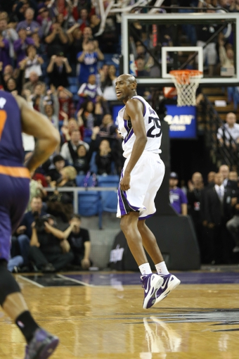 Nov 19, 2013; Sacramento, CA, USA; Sacramento Kings small forward Travis Outlaw (25) reacts after a basket against the Phoenix Suns during the fourth quarter at Sleep Train Arena. The Sacramento Kings defeated the Phoenix Suns 107-104. Mandatory Credit: Kelley L Cox-USA TODAY Sports