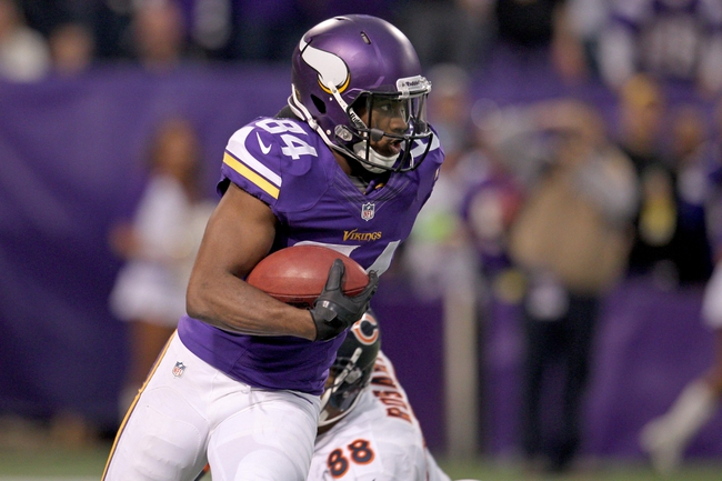 Dec 1, 2013; Minneapolis, MN, USA; Minnesota Vikings wide receiver Cordarrelle Patterson (84) against the Chicago Bears at Mall of America Field at H.H.H. Metrodome. The Vikings defeated the Bears 23-20 in overtime. Mandatory Credit: Brace Hemmelgarn-USA TODAY Sports
