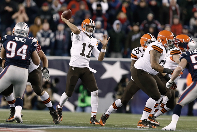 Dec 8, 2013; Foxborough, MA, USA; Cleveland Browns quarterback Jason Campbell (17) throws downfield during the fourth quarter of New England's 27-26 win at Gillette Stadium. Mandatory Credit: Winslow Townson-USA TODAY Sports