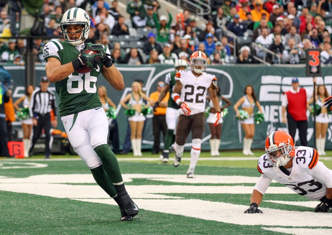 Dec 22, 2013; East Rutherford, NJ, USA; New York Jets wide receiver David Nelson (86) catches a touchdown pass against the Cleveland Browns during the first half at MetLife Stadium. Mandatory Credit: Ed Mulholland-USA TODAY Sports