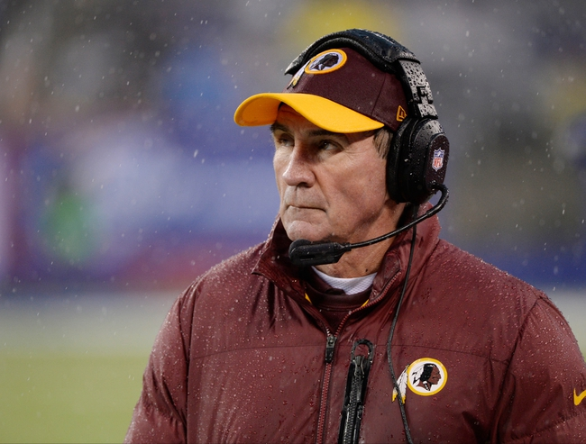 Dec 29, 2013; East Rutherford, NJ, USA; Washington Redskins head coach Mike Shanahan during the game against the New York Giants at MetLife Stadium. Mandatory Credit: Robert Deutsch-USA TODAY Sports