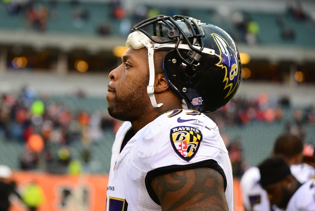 Dec 29, 2013; Cincinnati, OH, USA; Baltimore Ravens outside linebacker Terrell Suggs (55) against the Cincinnati Bengals at Paul Brown Stadium. Bengals defeated the Ravens 34-17. Mandatory Credit: Andrew Weber-USA TODAY Sports
