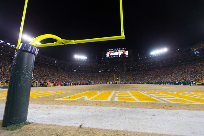 Jan 5, 2014; Green Bay, WI, USA; Wide angle view of Lambeau Field  during the 2013 NFC wild card playoff football game between the San Francisco 49ers and Green Bay Packersat Lambeau Field.  San Francisco won 23-20.  Mandatory Credit: Jeff Hanisch-USA TODAY Sports