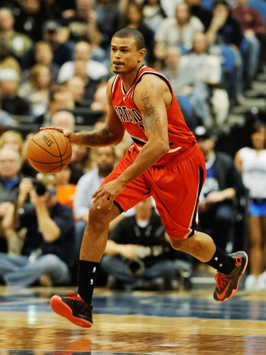Feb 8, 2014; Minneapolis, MN, USA; Portland Trail Blazers guard Earl Watson (17) at Target Center. The Trail Blazers defeated the Wolves  117-110.  Mandatory Credit: Marilyn Indahl-USA TODAY Sports