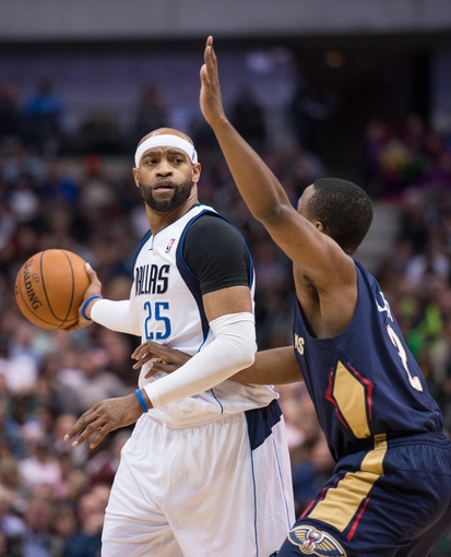 Feb 26, 2014; Dallas, TX, USA; Dallas Mavericks shooting guard Vince Carter (25) during the game against the New Orleans Pelicans at the American Airlines Center. The Mavericks defeated the Pelicans 108-89. Mandatory Credit: Jerome Miron-USA TODAY Sports