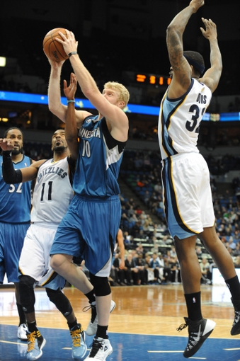Apr 2, 2014; Minneapolis, MN, USA;  Minnesota Timberwolves forward Chase Budinger (10) takes a shot in the fourth quarter against the Memphis Grizzlies at Target Center. The Wolves defeated the Grizzlies 102-88.  Mandatory Credit: Marilyn Indahl-USA TODAY Sports