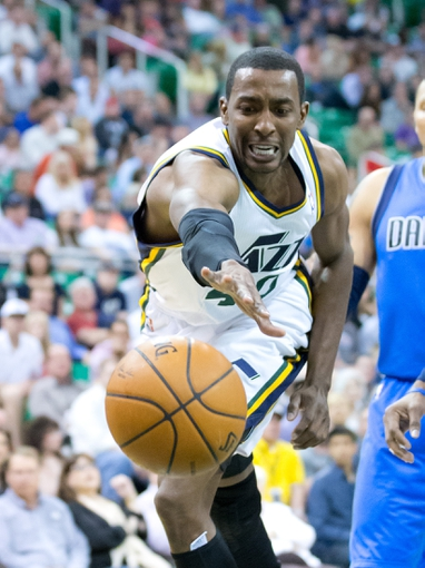 Apr 8, 2014; Salt Lake City, UT, USA; Utah Jazz forward Jeremy Evans (40) loses control of the ball during the second half against the Dallas Mavericks at EnergySolutions Arena. The Mavericks won 95-83. Mandatory Credit: Russ Isabella-USA TODAY Sports