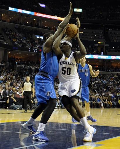 Apr 16, 2014; Memphis, TN, USA; Memphis Grizzlies forward Zach Randolph (50) lays the ball up against the Dallas Mavericks at FedExForum. Mandatory Credit: Justin Ford-USA TODAY Sports