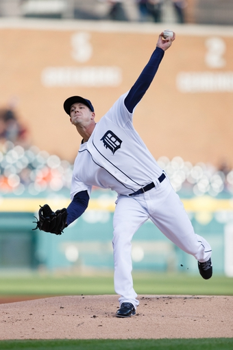 Apr 23, 2014; Detroit, MI, USA; Detroit Tigers starting pitcher Drew Smyly (33) pitches in the first inning against the Chicago White Sox at Comerica Park. Mandatory Credit: Rick Osentoski-USA TODAY Sports