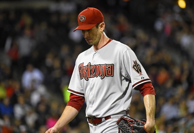 May 9, 2014; Chicago, IL, USA; Arizona Diamondbacks starting pitcher Brandon McCarthy (32) is taken out of the game after giving up seven runs against the Chicago White Sox during the fourth inning at U.S Cellular Field. Mandatory Credit: Mike DiNovo-USA TODAY Sports