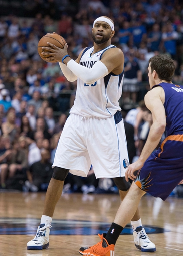 Apr 12, 2014; Dallas, TX, USA; Dallas Mavericks guard Vince Carter (25) during the game against the Phoenix Suns at the American Airlines Center. The Mavericks defeated the Suns 101-98. Mandatory Credit: Jerome Miron-USA TODAY Sports