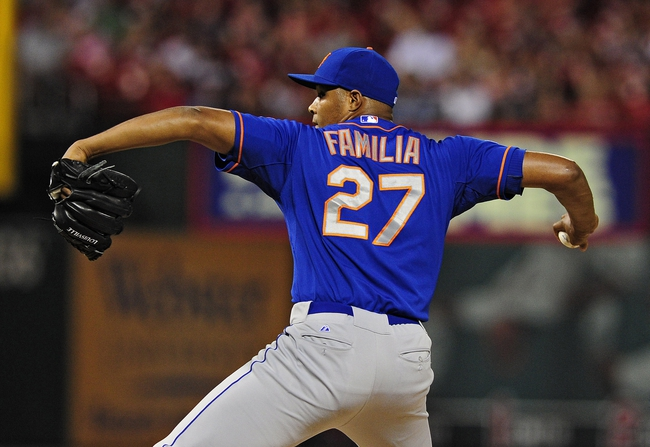 Jun 17, 2014; St. Louis, MO, USA; New York Mets relief pitcher Jeurys Familia (27) throws to a St. Louis Cardinals batter during the eighth inning at Busch Stadium. The Cardinals defeated the Mets 5-2. Mandatory Credit: Jeff Curry-USA TODAY Sports