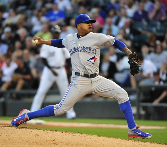 Aug 15, 2014; Chicago, IL, USA; Toronto Blue Jays starting pitcher Marcus Stroman (54) throws against the Chicago White Sox during the first inning at U.S Cellular Field. Mandatory Credit: David Banks-USA TODAY Sports