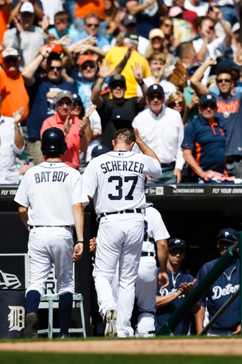 Aug 14, 2014; Detroit, MI, USA; Detroit Tigers starting pitcher Max Scherzer (37) tips his hat to the crowd during the eighth inning against the Pittsburgh Pirates at Comerica Park. Mandatory Credit: Rick Osentoski-USA TODAY Sports