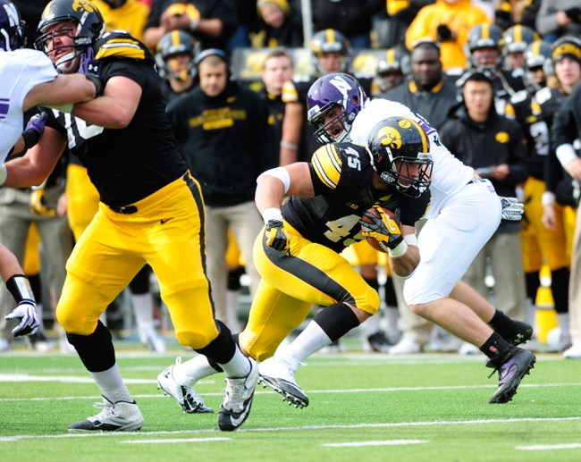 Iowa vs. Northwestern - 11/1/14 College Football Pick, Odds, and Prediction