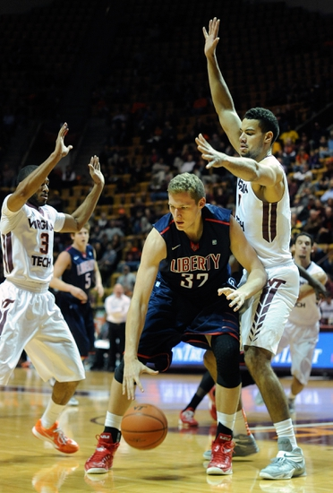 Big South Round One-UNC Asheville Bulldogs vs. Liberty Flames - 3/4/15 College Basketball Pick, Odds, and Prediction