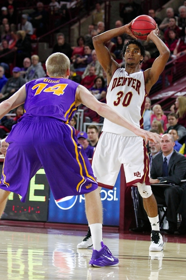 Denver Pioneers vs. Saint Joseph's Hawks - 12/29/14 College Basketball Pick, Odds, and Prediction