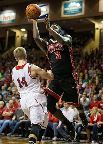 UNLV vs. South Dakota - 12/22/15 College Basketball Pick, Odds, and Prediction