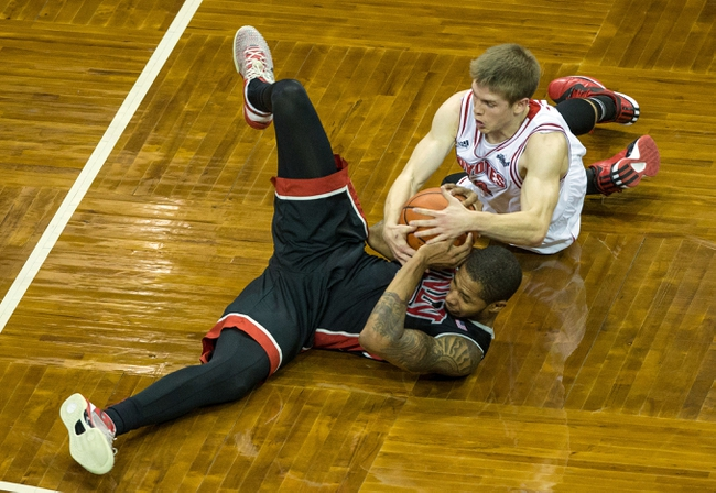 South Dakota Coyotes vs. Denver Pioneers - 2/25/15 College Basketball Pick, Odds, and Prediction