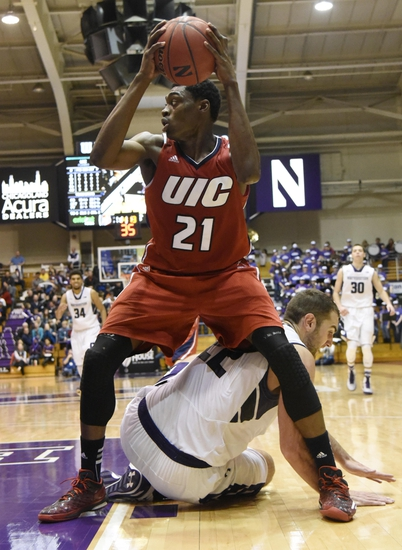 Drake vs. Illinois-Chicago - 11/28/15 College Basketball Pick, Odds, and Prediction