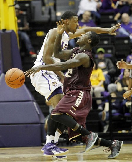 College of Charleston Cougars vs. Elon Phoenix - 2/18/15 College Basketball Pick, Odds, and Prediction