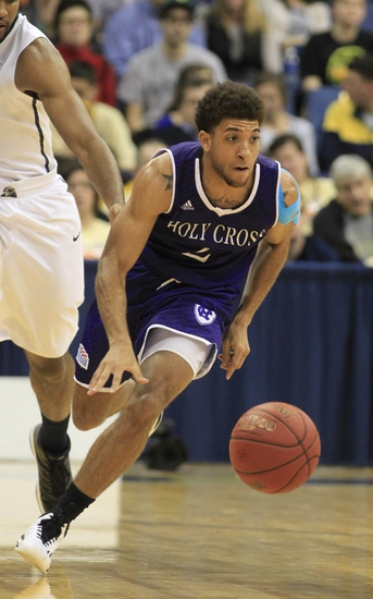 Patriot League Round One-Holy Cross Crusaders vs. Loyola Greyhounds - 3/3/15 College Basketball Pick, Odds, and Prediction