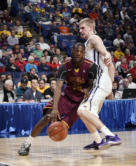 Notre Dame vs. Loyola of Chicago - 12/13/15 College Basketball Pick, Odds, and Prediction