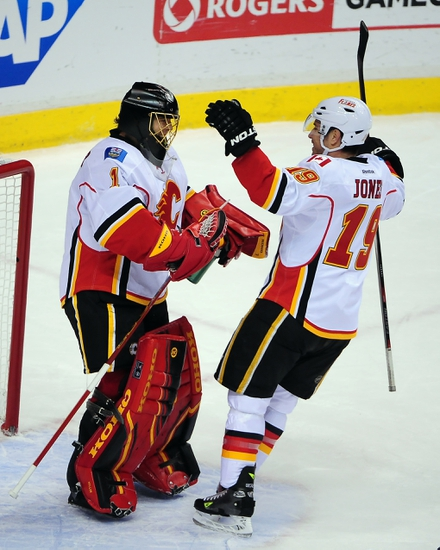 Vancouver Canucks vs. Calgary Flames - 4/17/15 NHL Pick, Odds, and Prediction