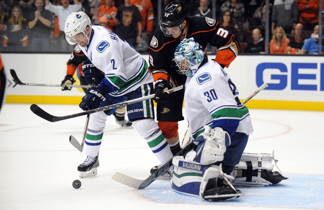 Anaheim Ducks vs. Vancouver Canucks - 11/30/15 NHL Pick, Odds, and Prediction