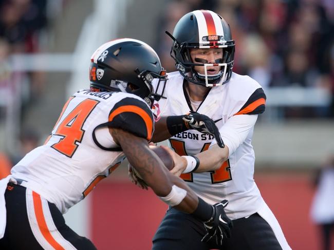 Oregon State Beavers vs. Washington Huskies - 11/21/15 College Football Pick, Odds, and Prediction