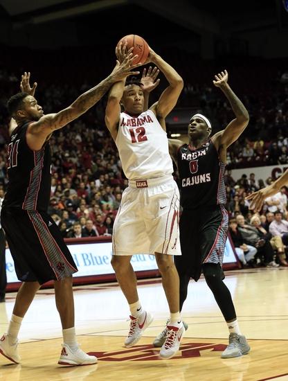 Arkansas-Little Rock Trojans vs. Louisiana-Lafayette Ragin Cajuns - 1/7/16 College Basketball Pick, Odds, and Prediction