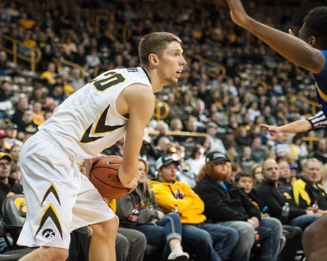 Iowa vs. Western Illinois - 12/7/15 College Basketball Pick, Odds, and Prediction