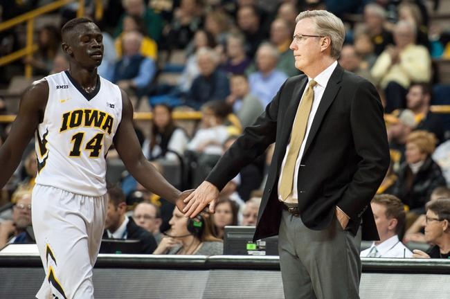 Iowa vs. Michigan - 1/17/16 College Basketball Pick, Odds, and Prediction