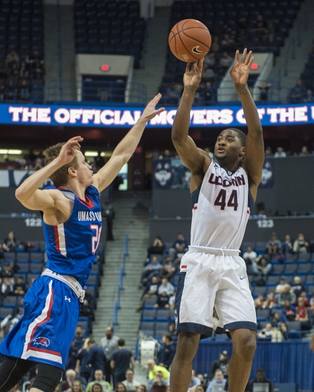 Connecticut Huskies vs. Cent Conn State Blue Devils - 12/23/15 College Basketball Pick, Odds, and Prediction