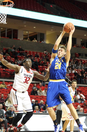 South Dakota State Jackrabbits vs. Nebraska Omaha Mavericks - 1/28/16 College Basketball Pick, Odds, and Prediction