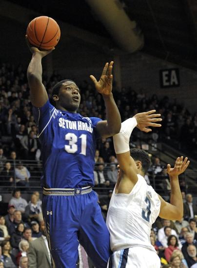 Seton Hall Pirates vs. Creighton Bluejays - 1/9/16 College Basketball Pick, Odds, and Prediction