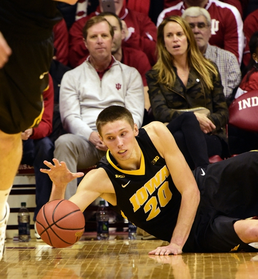 Iowa Hawkeyes vs. Minnesota Golden Gophers - 2/14/16 College Basketball Pick, Odds, and Prediction