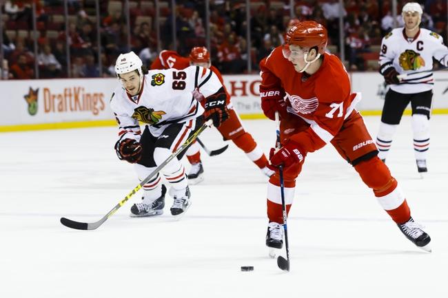 Detroit Red Wings take on Blackhawks