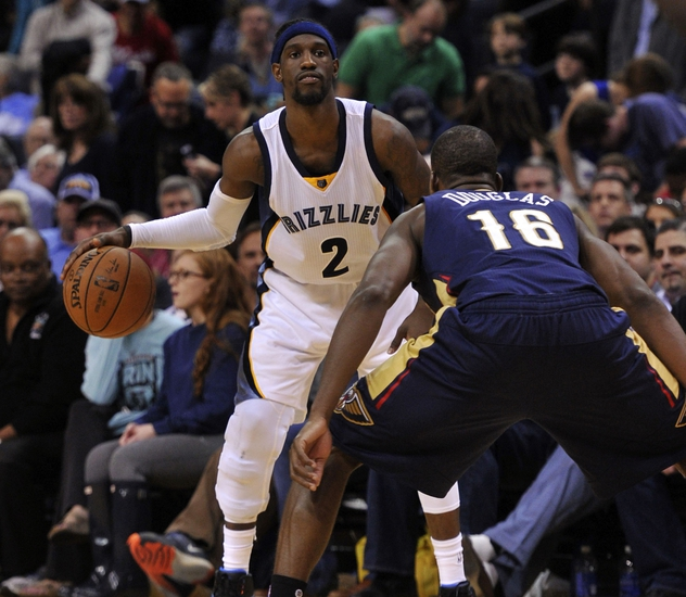 Antetokounmpo lifts Bucks past winless Pelicans 117-113