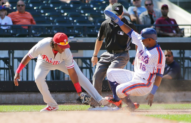 Conforto, Robles, Mets top Phils, stay atop wild-card race