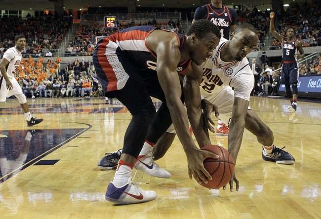 Davis, Ole Miss rally after halftime to defeat Auburn