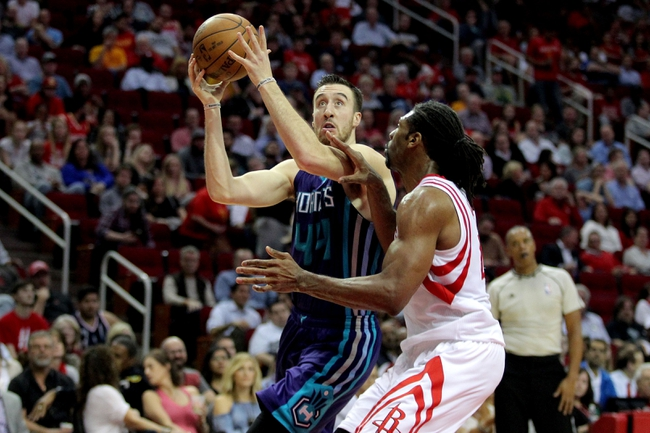 Harden scores 30 in Rockets' rout of Hornets