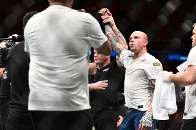 Glover Teixeira vs. Anthony Smith - 5/13/20 UFC Fight Night 171 Pick, Odds, and Prediction