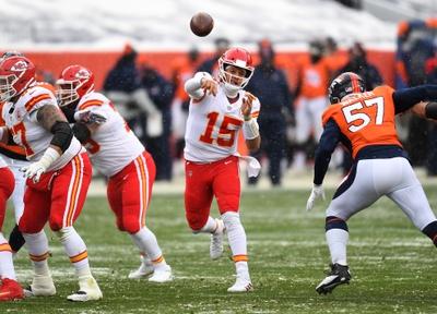 SNF Picks: Kansas City Chiefs vs Denver Broncos 12/6/20 NFL Picks, Odds, Predictions