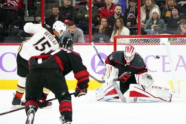 Anaheim Ducks vs. Carolina Hurricanes - 10/18/19 NHL Pick, Odds, and Prediction
