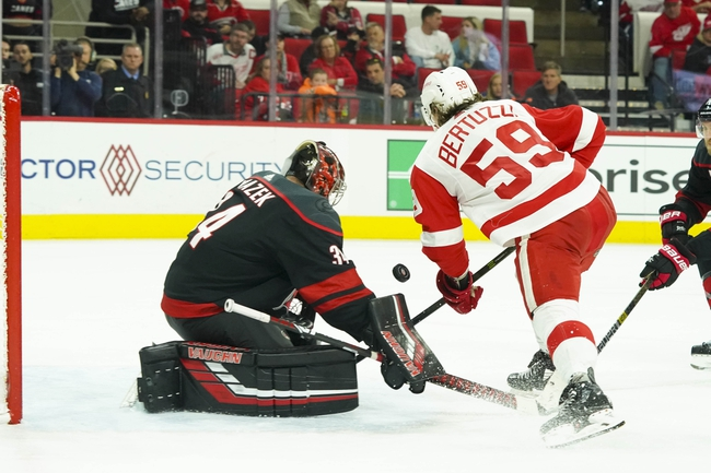 Carolina Hurricanes at Detroit Red Wings - 3/10/20 NHL Picks and Prediction