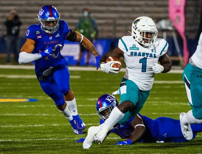 Canceled: Coastal Carolina vs Liberty College Football Picks, Odds, Predictions 12/5/20