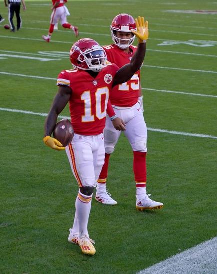 NFL Sunday Night Football Play Kansas City Chiefs / Las Vegas Raiders